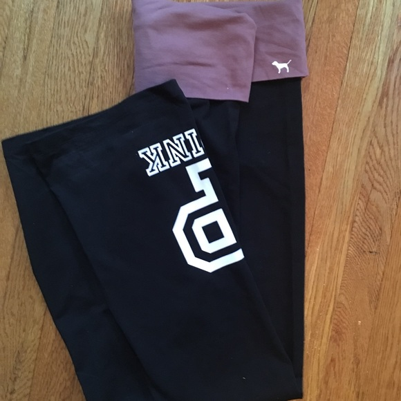 PINK Victoria's Secret Pants - PINK flare yoga pants - logo pink and black | M